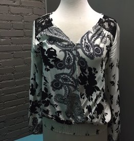Long Sleeve Wht/Blk Print LS Top