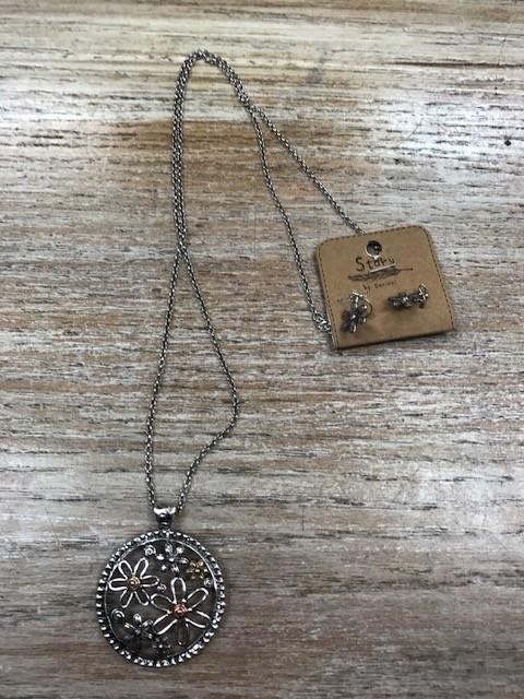 Jewelry Long Circle w/ Flowers Necklace & Earrings