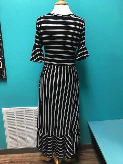 Dress Striped Short Sleeve Dress w/ Ruffle Hem