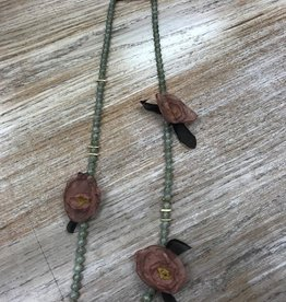 Jewelry Green Beaded Necklace w/ Flowers