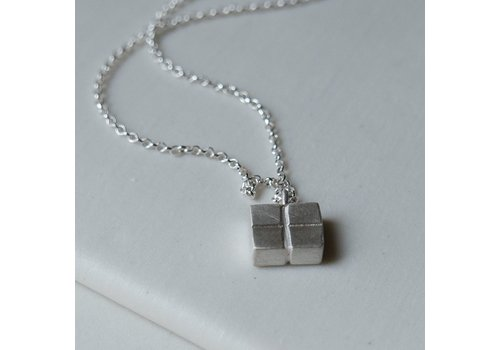 Rectangular Columns Necklace