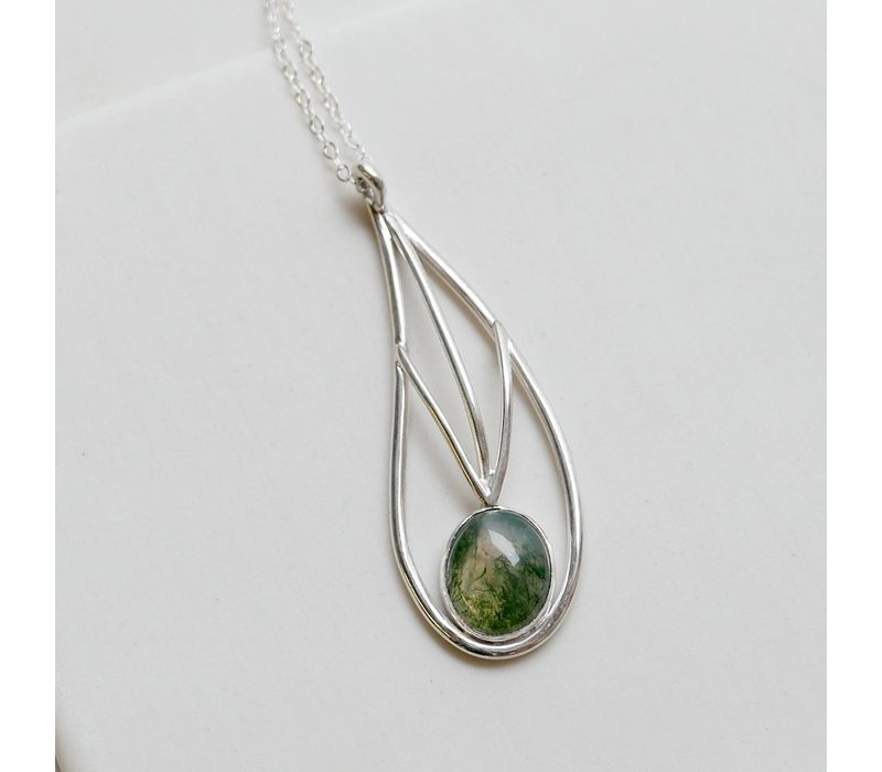 Leaf Line Pendant with Moss Agate