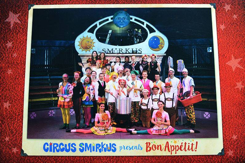 2015 Tour Cast Photo - Bon Appetit!