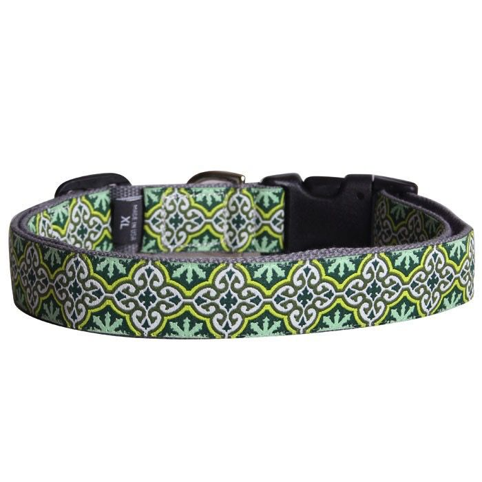 Molly Mutt LEAVES OF GRASS COLLAR M