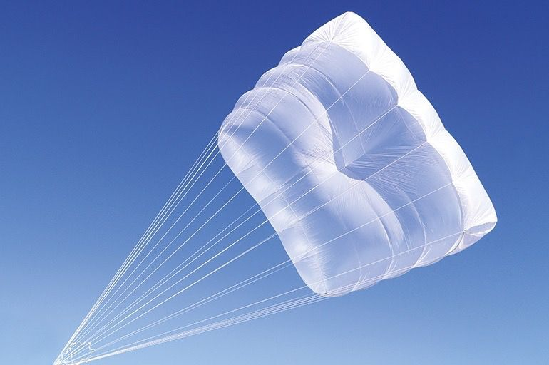GIN GIN YETI CROSS - lightweight, square-type rescue parachute developed by Gin Gliders