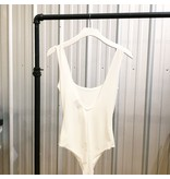Day & Night Simple Scoop Neck Body Suit