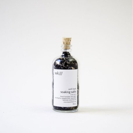 Ebony Soaking Salts 8oz