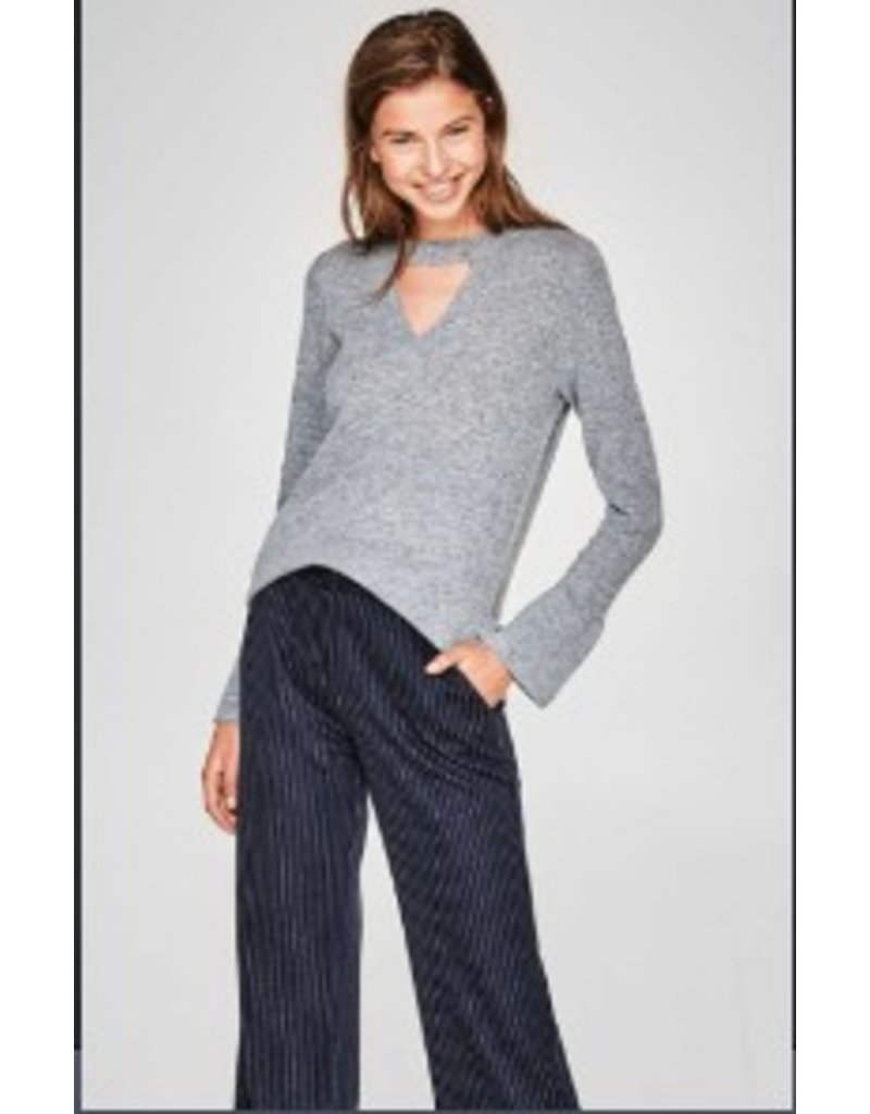 ESPRIT Jumper with a cut-out and trumpet sleeves