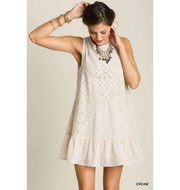 CREAM SLEEVELESS DRESS W/EMBROIDERY