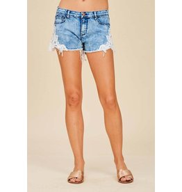 LISTICLE DENIM SHORTS W CROCHET