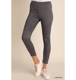 WASHED MOTO JEGGINS W/ PINTUCK AND ZIPPER DETAIL