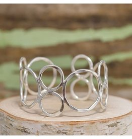 ANJU HAMMERED CIRCLE CUFF