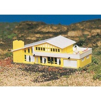 Bachmann N Built-Up Comtemporary House # 45909