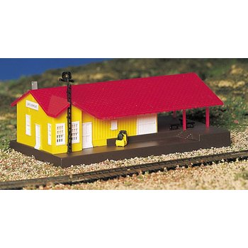 Bachmann N Built Up Freight Station # 45907