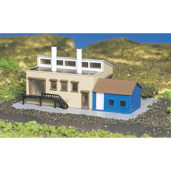 Bachmann N Built Up Factory w/Accessories # 45902