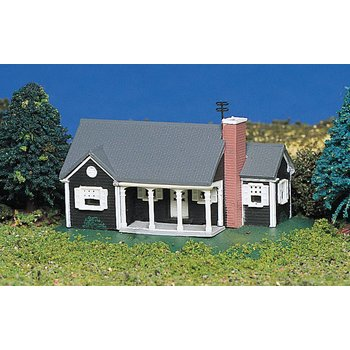 Bachmann N Built-Up New England Ranch House # 45814