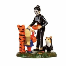 Department 56 Halloween Trick Or Treating on the lane # 4056709