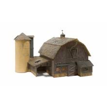 Woodland Scenics N Old weathered Barn # 4932