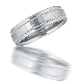 N00124 hammered wedding band