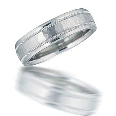 Novell N00124 hammered wedding band