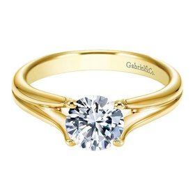 ER7516 yellow gold split shank
