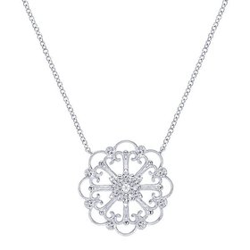 NK3823 14k White Gold and Diamond Necklace