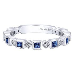 LR4912 Diamond and Sapphire Band