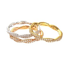CR3234 twisted diamond band