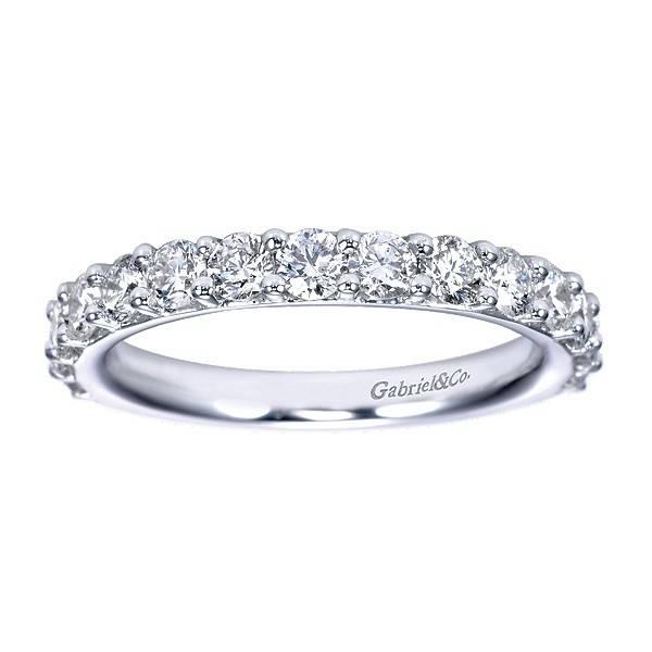 AN7685 prong set diamond band