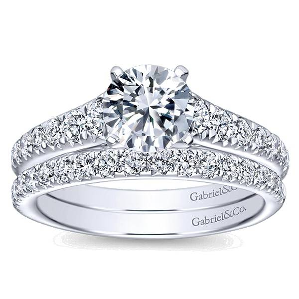 Gabriel & Co ER8259 graduating diamond accent ring