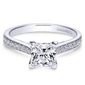 ER8916 Princess Diamond Accent Setting
