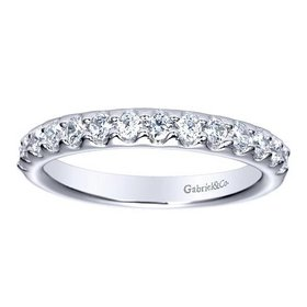 AN5336 fishtail set diamond band