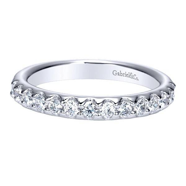 Gabriel & Co AN5336 fishtail set diamond band