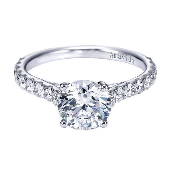 Luciole Shared Prong Diamond Setting
