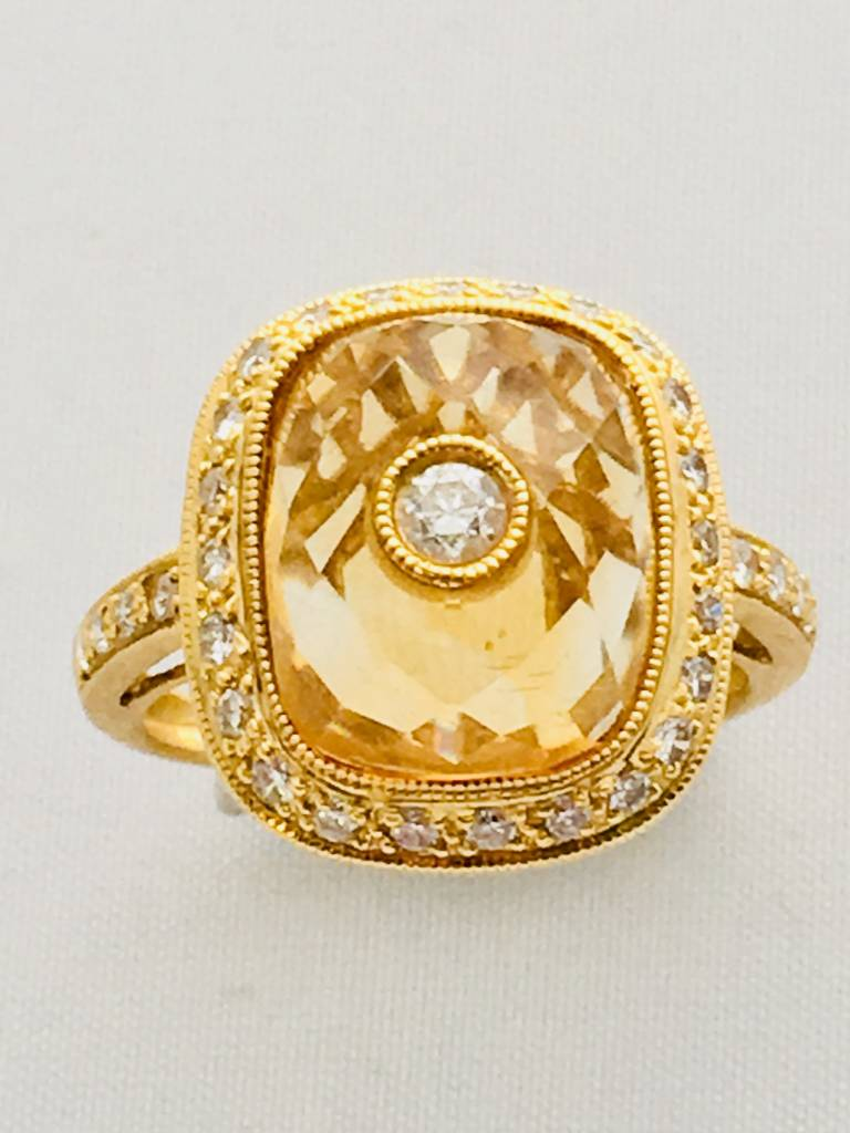 18kt Yellow Citrine & Diamond Ring