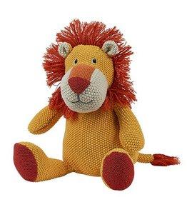 Leon the Lion, 15