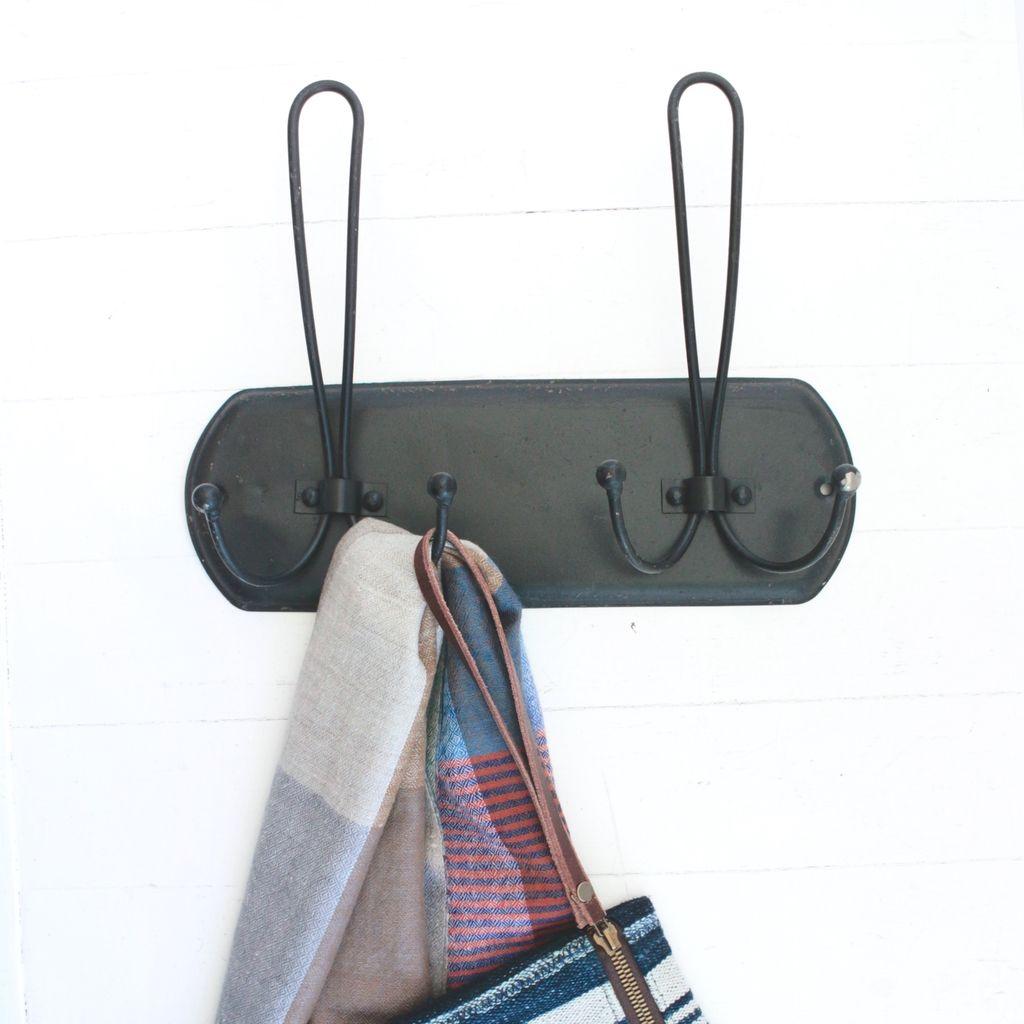 Black Metal Hanger