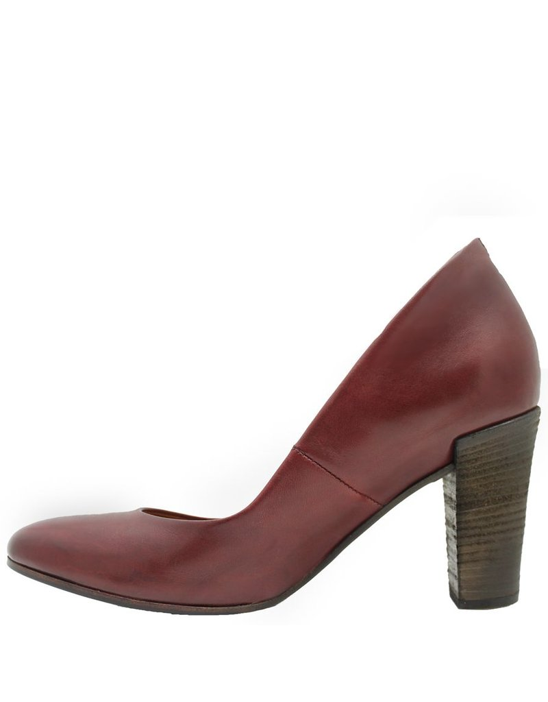 Del Carlo Del Carlo Red Stacked Heel Pump 2025