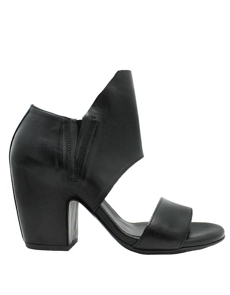 VicMatie VicMatie Black Gladiator Sandal 5328