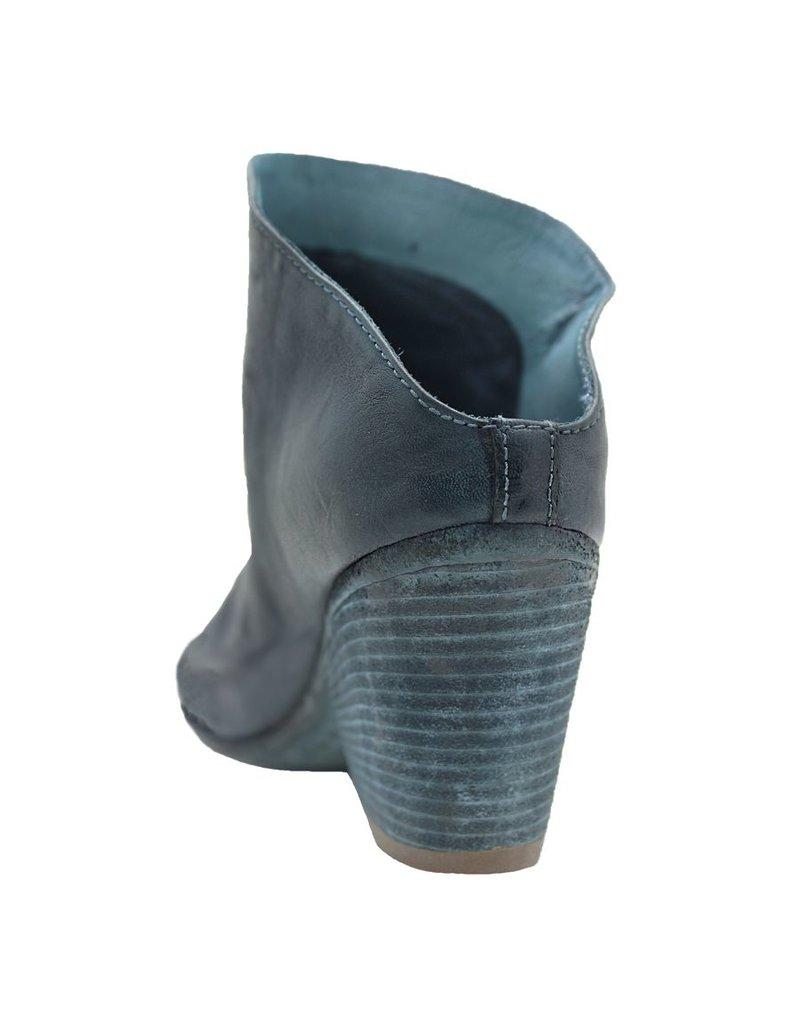 Officine Creative OfficineCreative Blue Closed Toe Mule Jaclyn