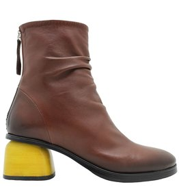 Halmanera Halmanera Camel Ruched Back Zip Yellow Heel Curry