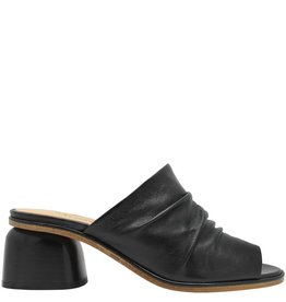 Halmanera Halmanera Black Mule With Open Toe Arl