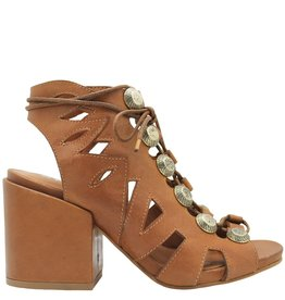 Strategia Strategia Camel Lace-Up with Gromets 3596