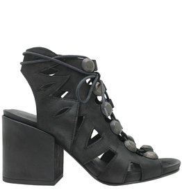 Strategia Strategia Black Lace-Up with Gromets 3596