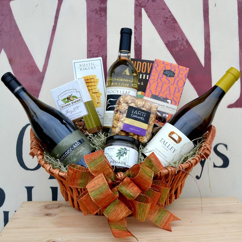 """""""White Wine Delight"""" Gift Basket"""