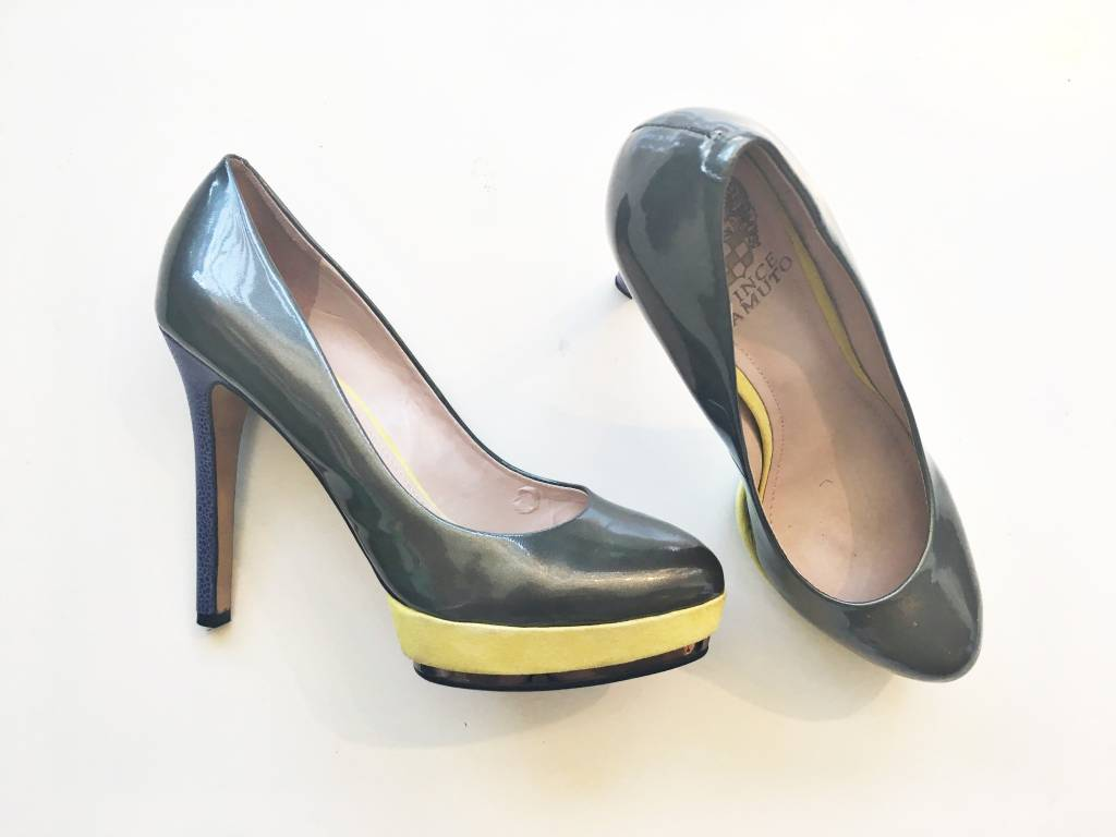 Vince Camuto Silver & Lime Green Pumps (7.5)