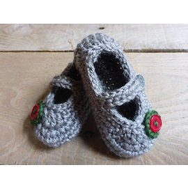 White Mountain Yarnery Crochet Baby Shoes