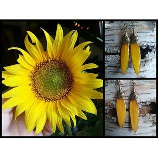 HeeBee Geebs Flower Petal Earrings - Brass Ear Wires