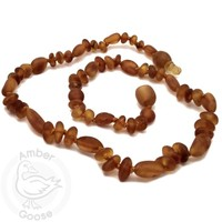 MOMMA GOOSE PRODUCTS AMBER UNPOLISHED OLIVE & BAROQUE HONEY NECKLACE MD