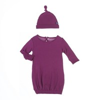 KICKEE PANTS KICKEE PANTS BASIC LAYETTE GOWN & KNOT HAT SET IN ORCHID